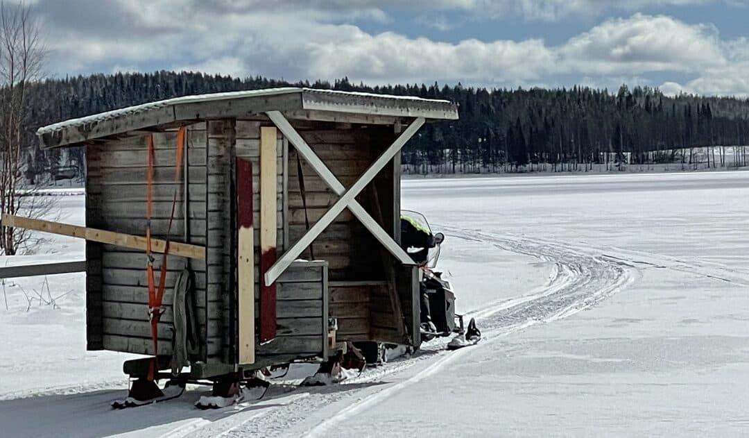 Länge sedan något hus flyttades i Kågeträsk… även om detta är väldigt litet.